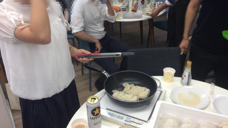 和商コーポレーション新開発の「しょうが餃子」でホームパーティー